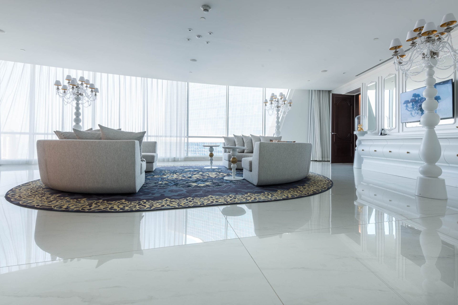 South west architecture con fmg mondrian doha en qatar for Casa moderna 15x15