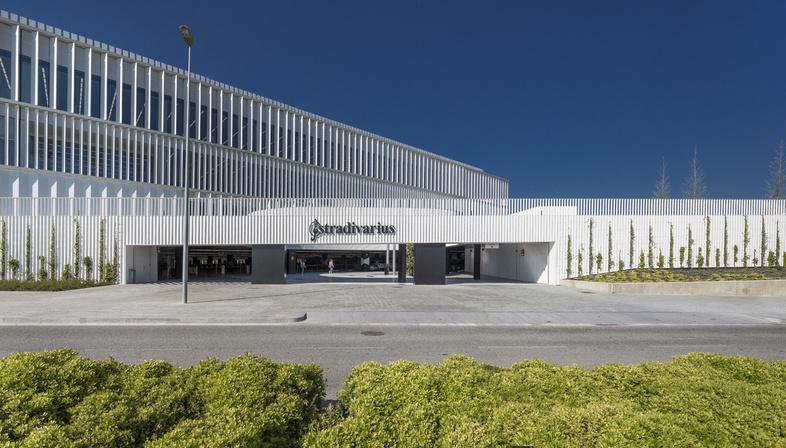 Batlle I Roig: nueva sede de Stradivarius en Cerdanyola del Vallès