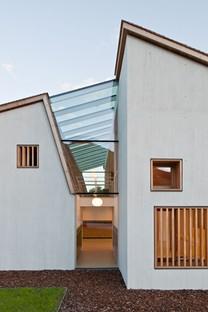 Feld72 Architekten: colegio de primaria en complejo educativo, Terento
