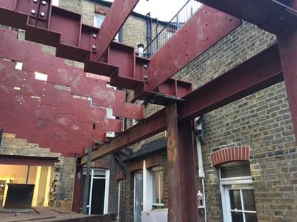 Bureau de Change: Step house, reforma en Londres