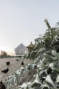 La casa en el huerto de LDA.iMdA: vida de campo contemporánea y sostenible