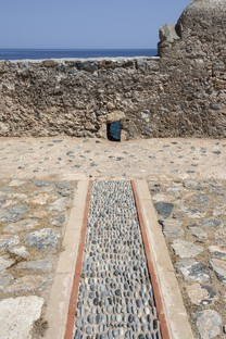 Moy Studio: Water paths, la nueva plaza de Monemvasia