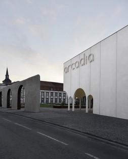 TRACKS: Cine Arcadia en Riom, Francia