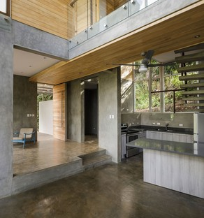 Balcony House de Laboratory Sustaining Design
