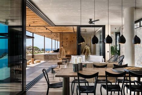 Paly Architects firma una residencia de lujo sobre el mar en Livadia, Creta