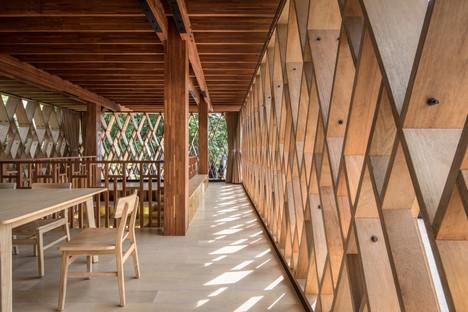 SHAU: Microbiblioteca Warak Kayu en Semarang, Indonesia