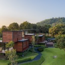 TA-CHA Design: Binary Wood House, Pak Chong, Tailandia
