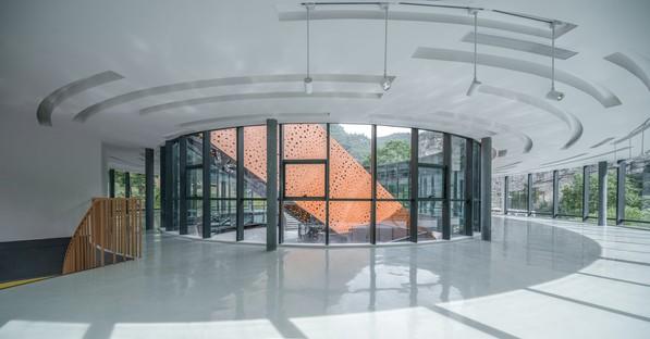 3andwich Design / He Wei Studio: Restauración del Arsenal 809