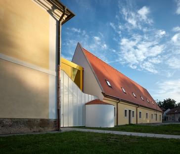 Public Atelier+FUUZE: Ampliación de la escuela Vřesovice