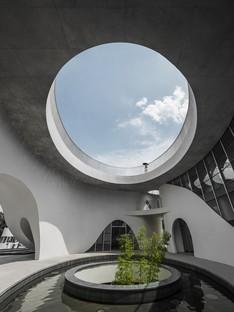 El nuevo White Building del Chengdu Science and Technology Industry Incubation Park lleva la firma de CROX