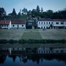 Kuba & Pilař: Casa en la ribera del río en Znojmo, República Checa