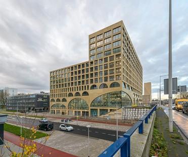 Westbeat de Studioninedots: viviendas particulares y espacio público conviven en Amsterdam