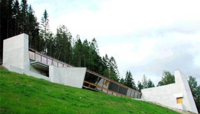 Sverre Fehn  Centro Ivar Aasen, Orstad, Noruega, 2000