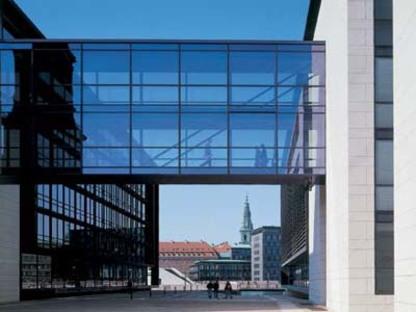 Henning Larsen: Unibank de Copenhague, en vias de finalización.