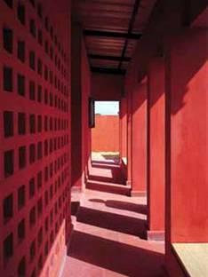 Women's Centre, Hollmén-Reuter-Sandman<br> Rufisque, Senegal, 2001