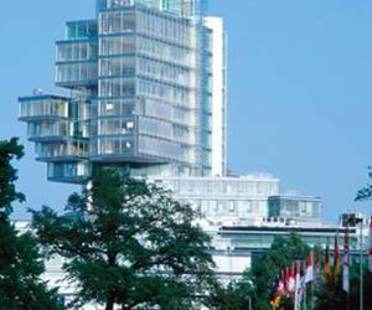 Behnisch and Partner: Norddeutsche Landesbank<br> Hannover, Alemania, 2002