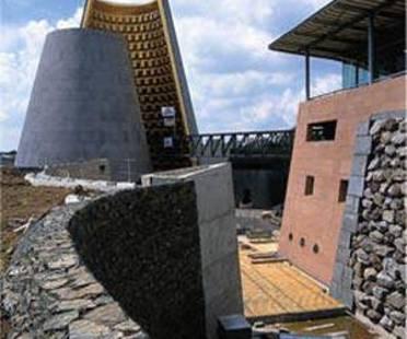 Hans Hollein: centro de Vulcanología en Clermont-Ferrand, Francia
