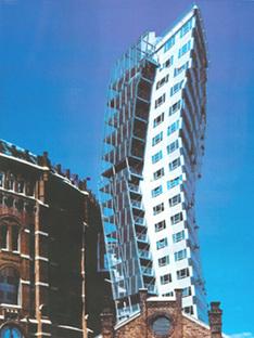 VIENNA, GASOMETER CITY, J.Nouvel, Coop Himmelb(l)au, M.Wedhorn, W.Holzbauer