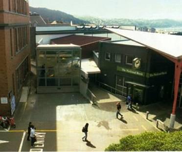 Athfield Architects: Adam Art Gallery, Wellington, Nuova Zelanda, 1999
