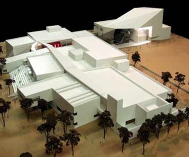 Antoine Predock: Doudna Fine Arts Center, Illinois University, en construcción