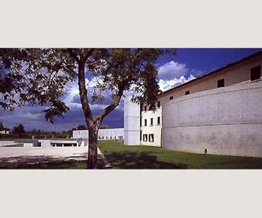 Fabrica para Benetton en Treviso. Tadao Ando