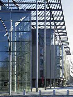 Foster and Partners: Centro Multimedia, Hamburgo