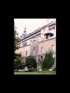 Borek Sípek<br>La nueva Galería de Arte del Castillo de Praga, 1996