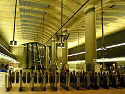 Foster & Partners<br> Estación de Canary Wharf, Jubilee Line Extension, Londres, 1993