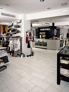 Tiendas Sky Bop y Diesel Store, Riccione