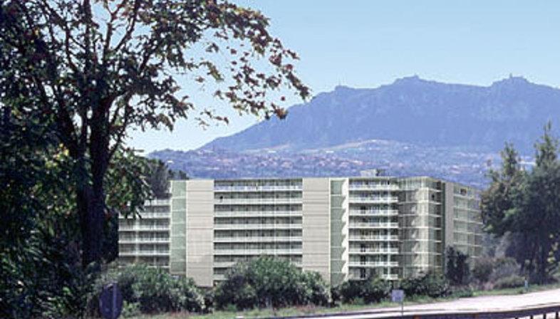 World Trade Center, San Marino<br /> Foster & Partners, 2004