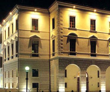 Paolo Portoghesi. <br>Universidad de Treviso. <br>2002