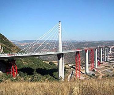 El viaducto de Millau, Norman Foster. 1993- 2005