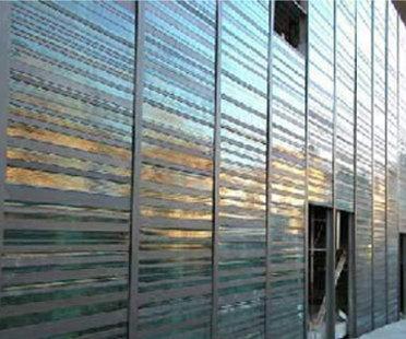 Turín. Porta Palazzo. Mercado del vestuario. Massimiliano Fuksas. 2004
