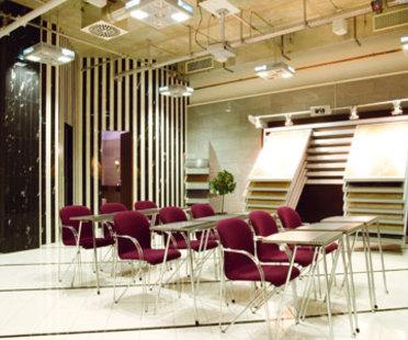 Showroom de Iris Ceramica y Fabbrica Marmi e Graniti en Berlín