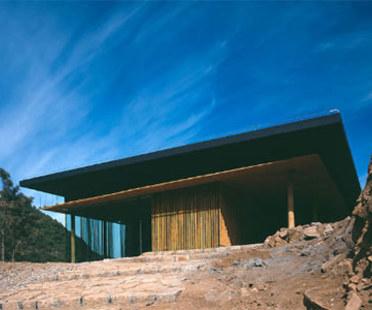 Great (Bamboo) Wall House, Kengo Kuma.<br /> Pekín. 2002