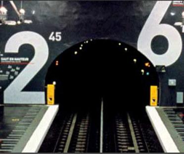 Estación del metro Villejuif Léo Lagrange, Mario Cucinella.<br /> París, Francia. 2000