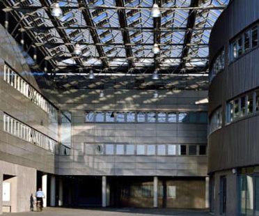 Sede del Ayuntamiento. Formigine (Módena), Italia. Studio Amati. 2006