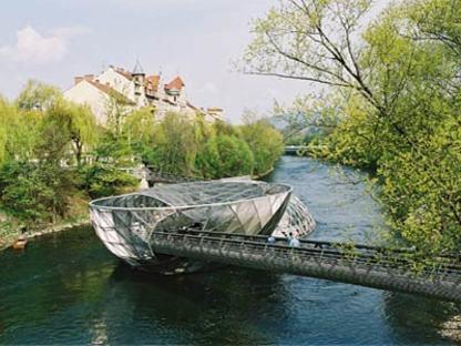La isla sobre el río Mur - Acconci Studio y Art & Idea.<br /> Graz, 2001