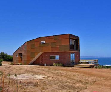 Casa Weller. Riesco + Rivera Arquitectos Asociados<br /> con R&U arquitectos asociados.<br /> Punta del Gallo, Chile - 2005