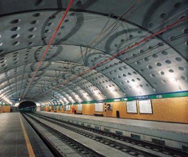 Angelo Mangiarotti, Dos estaciones en Milán: estación Venezia y estación Repubblica
