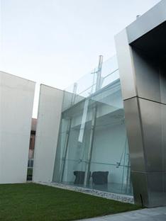 Studio UAU. Centro de Dirección de Hitech Systems. Leinì, Turín, 2006