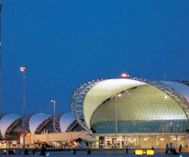 Aeropuerto Internacional Suvarnabhumi. Bangkok. Murphy/Jahn. 2006