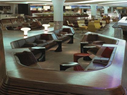 Sunken lounge. Heathrow (Londres). Softroom. 2006