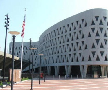 Lindner Athletic Center. Cincinnati. Bernard Tschumi. 2005