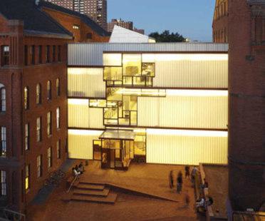 Higgins Hall, Pratt Institute - Steven Holl. Nueva York, 2005