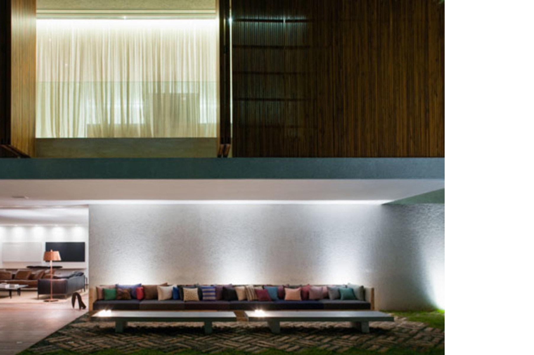 Casa Panamá: abierta y cerrada sobre la ciudad
