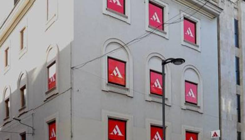 Mondadori Multicenter en Palermo