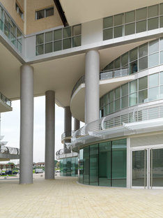 I pilastri del basamento