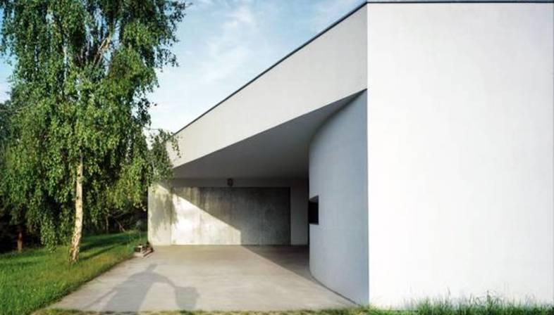 KWK Promes: Casa Outrial en Varsovia