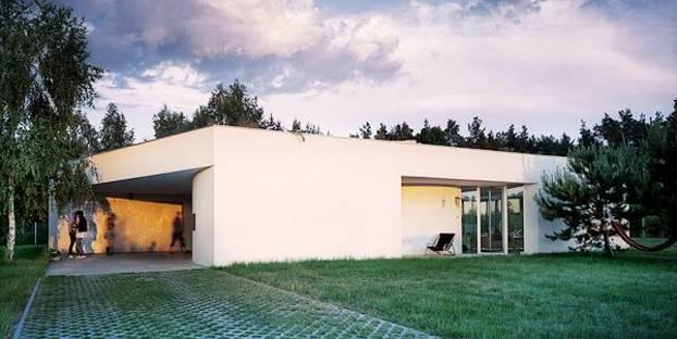 Las aberturas diferencian las fachadas de la casa